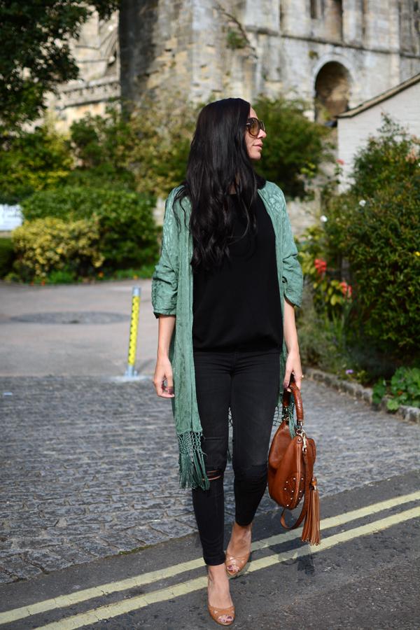 LamourDeJuliette_Kimono_Cashmere_Autumn_Winter_Outfits_Deutscher_Modeblog_Germanf_FashionBlog_011