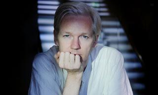 Assange ignora la citación policial y permanece en la embajada de Ecuador