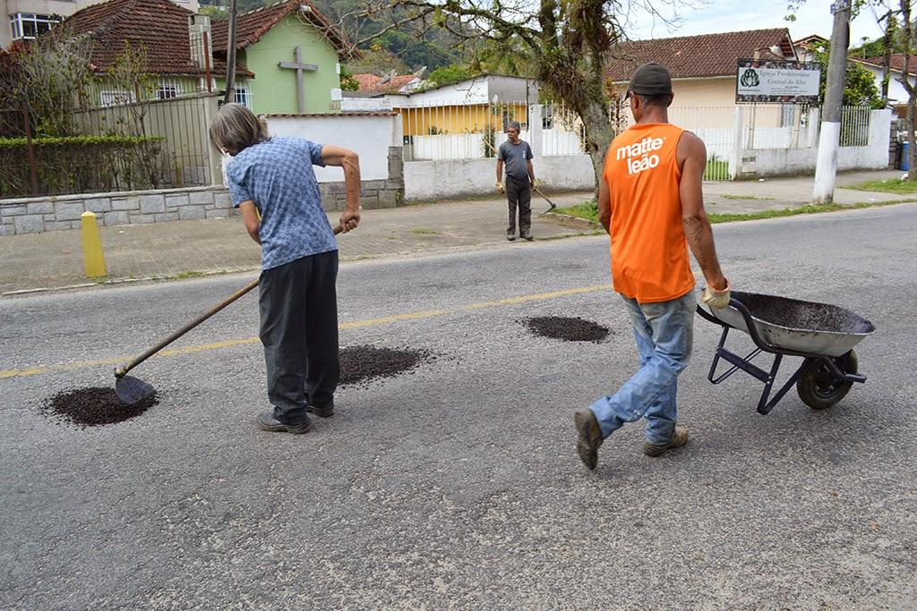 Vias do município recebem operação tapa-buracos
