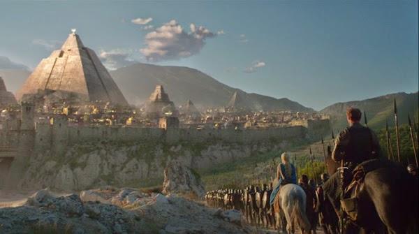 Daenerys y su ejército llegando a Mereeen