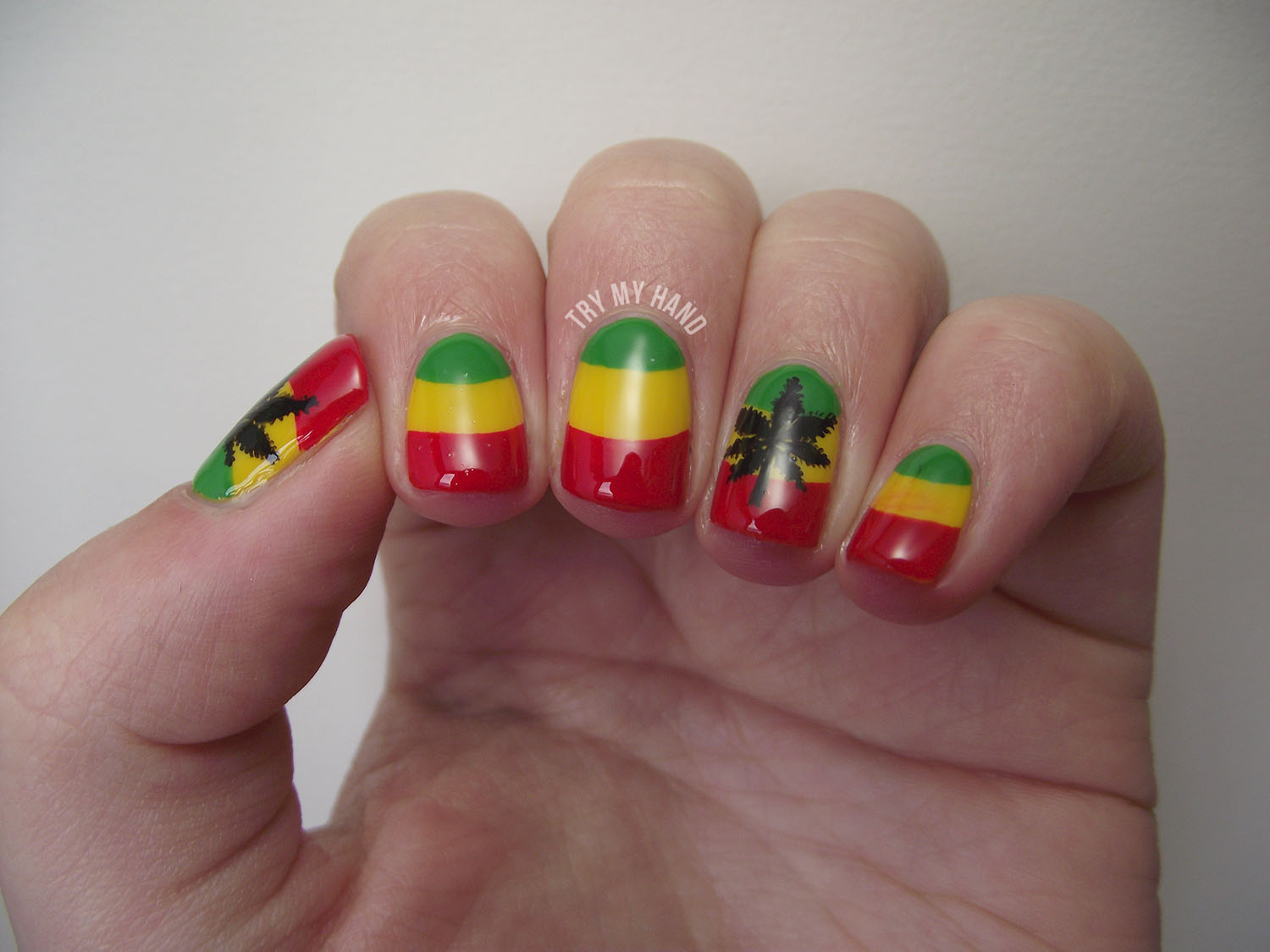Try My Hand Alphabet Nail Art Challenge R For Rasta