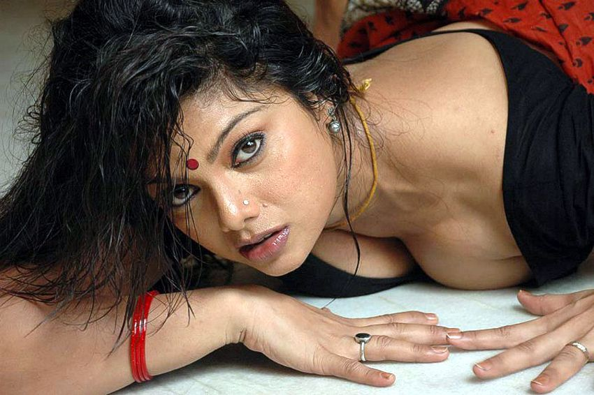 Kamapichachi Hot Heroine Photos