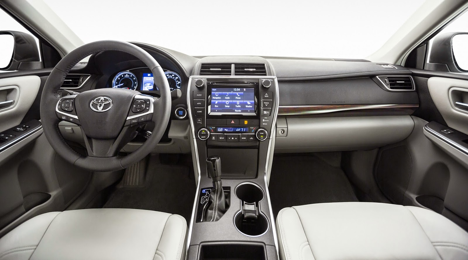 Interior view of 2015 Toyota Camry XLE