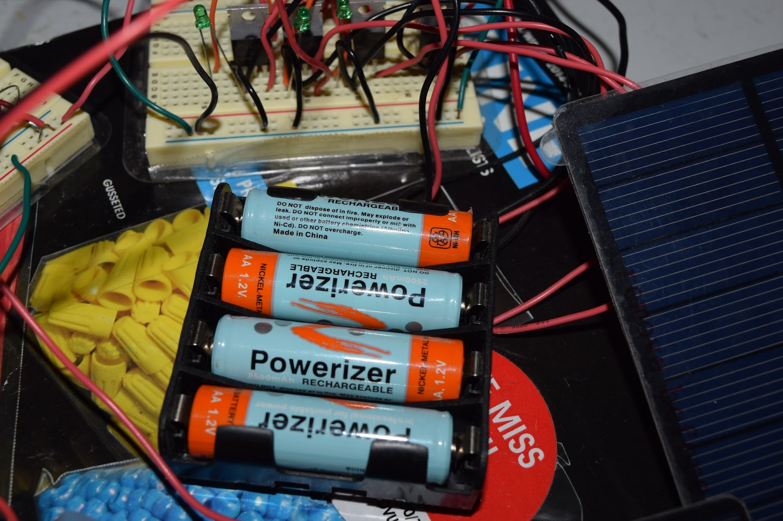 The Krell Lab Aa Nimh Ambient Solar Indoor Charger And Night Light Basic Nicad Battery Using A Single Medium Power Transistor Bank Of Four Batteries Are Charged In Parallel