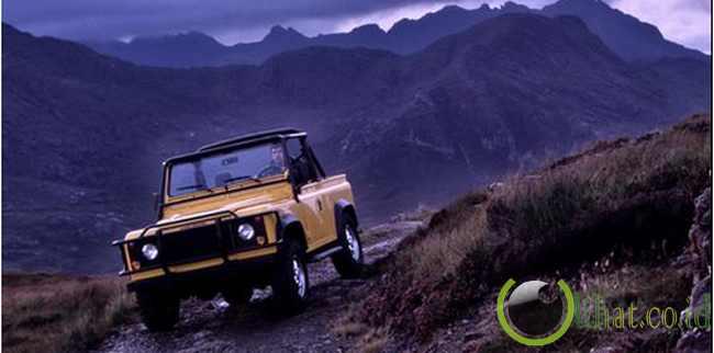 Land Rover Defender 90 (1983)