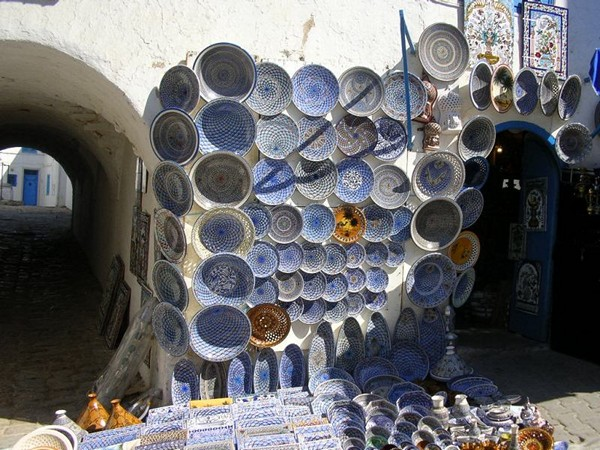 Tunezyjska porcelana w Sidi bu Said