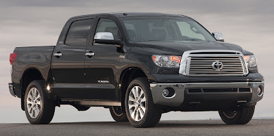 "Tacoma dan Tundra menyapu habis penghargaan tahunan US News & World Report ""2013 Best Cars for the Money"" untuk kategori truck"