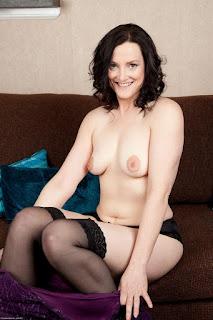 Naughty Lady - sexygirl-emi030NAT_280593052-774412.jpg