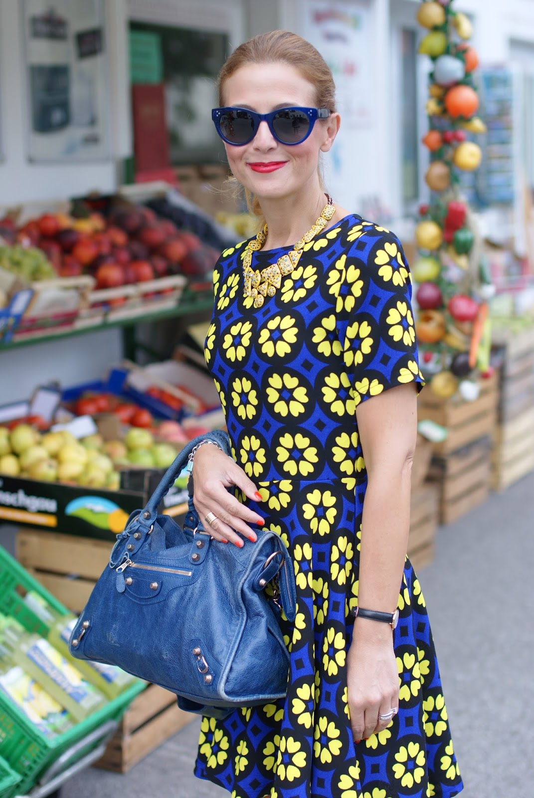 Daisy print skater dress with Hype Glass sunglasses on Fashion and Cookies fashion blog, fashion blogger girly style