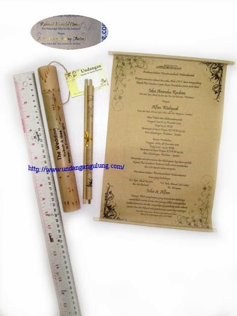undangan gulung sablon embos undangan tabung bambu