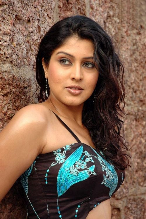 Sexy South Indian Actress Sheryl Pinto Hot Body Pics