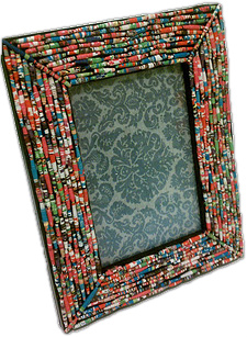 paper beads, glue sticks, homemade frame, diy frame, paper bead photo frame, magazine paper beads