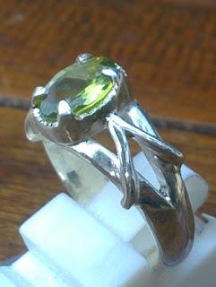 olivine peridot gemstone