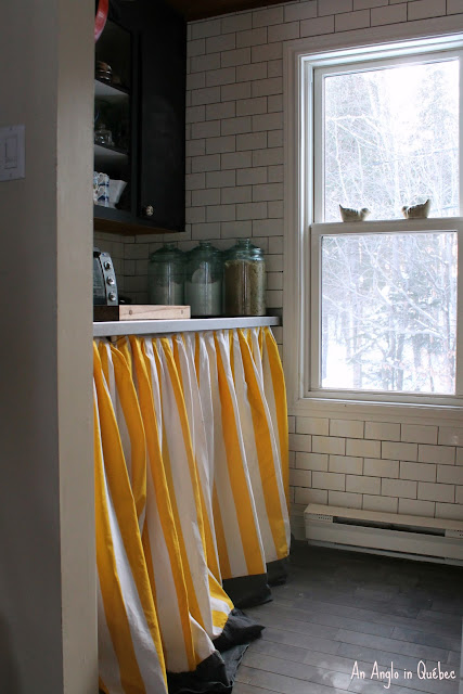 curtain/smart way to hide your washer and dryer