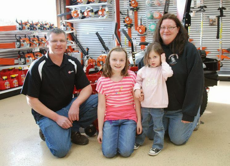 Mike Enos & family