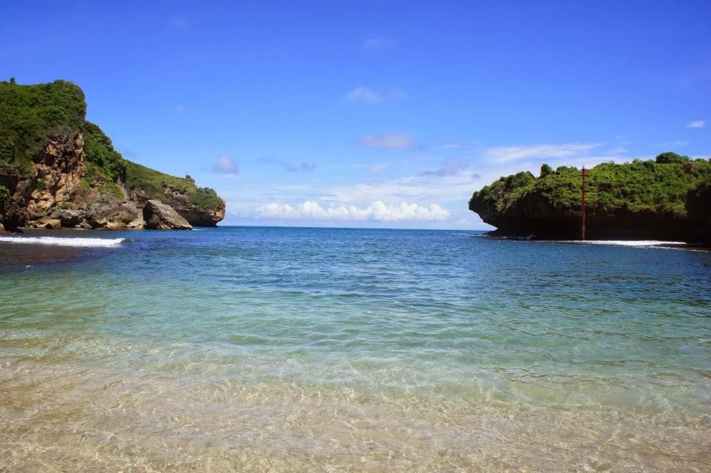 Pantai Gesing saat air pasang
