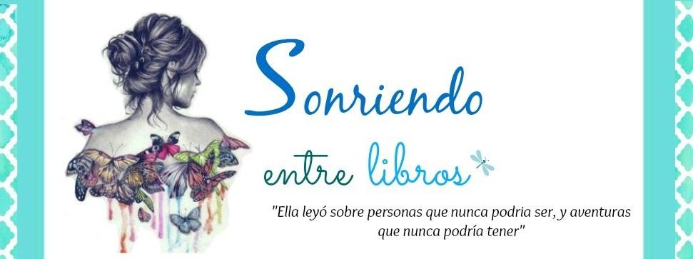 Sonriendo entre Libros