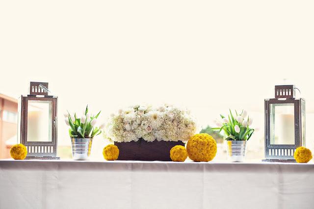 yellow-white-modern-rustic-beach-wedding