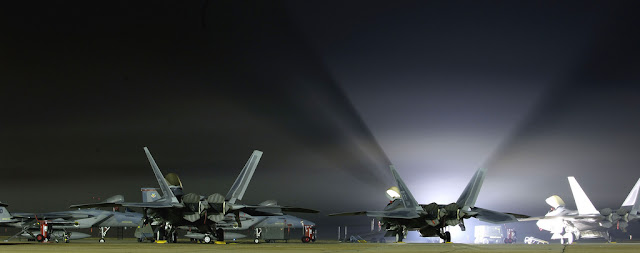 F-22 raptor night exhibition
