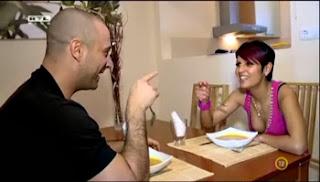 VV Gergő és Csilla egy asztalnál