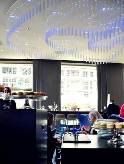 Zurich Renaissance Tower Hotel: Lounge