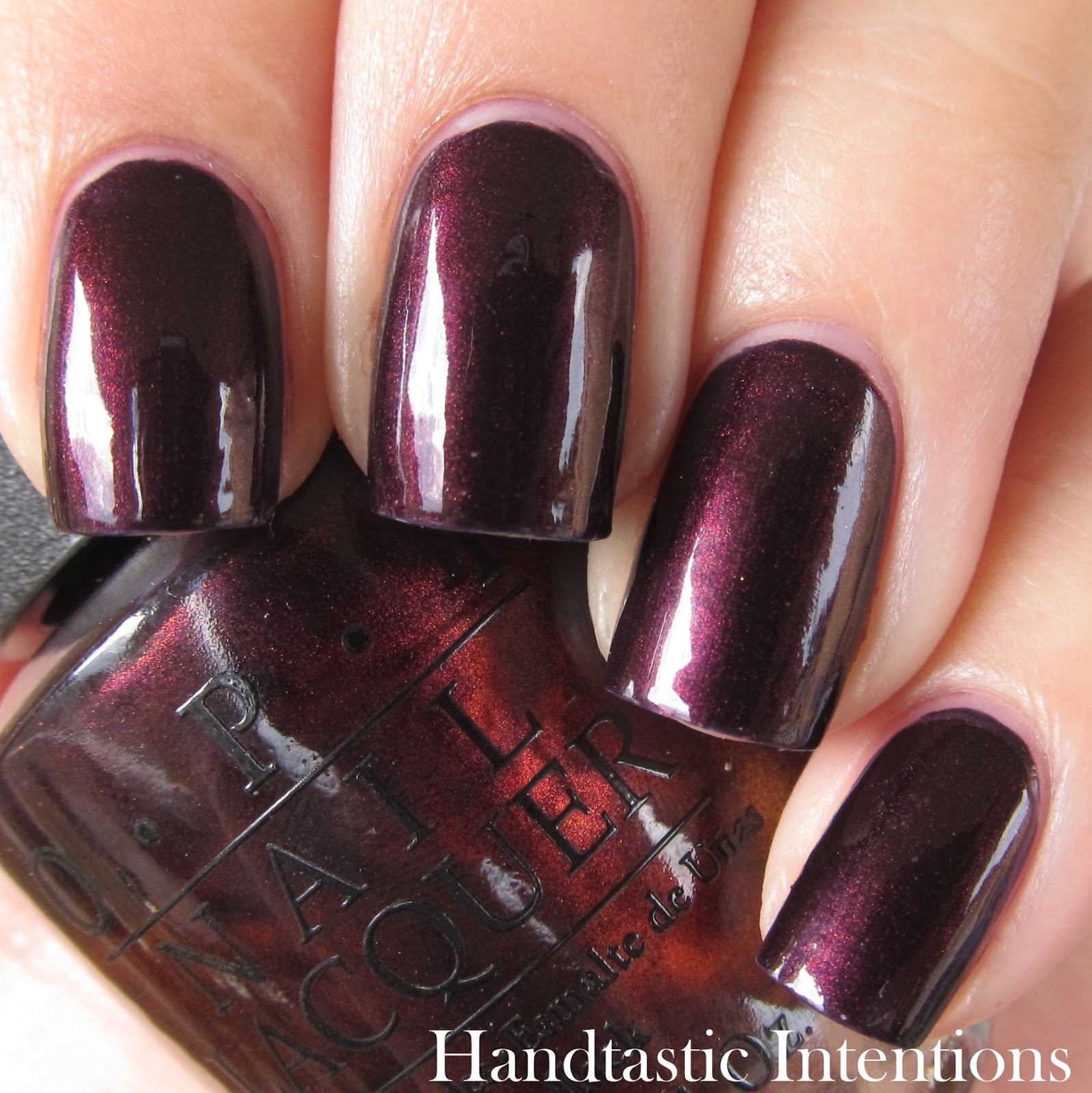 Handtastic Intentions: The Perfect Fall Color
