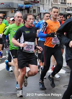 correr descalzo media maraton leon www.mediamaratonleon.com