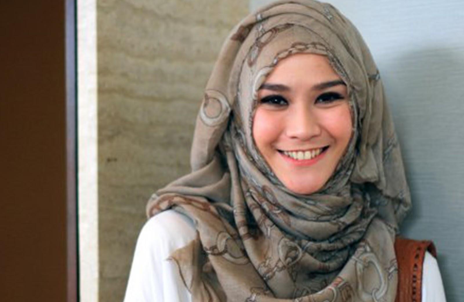 Tutorial Hijabber Masa Kini Model Hijab Tanpa Ciput Ala Artis