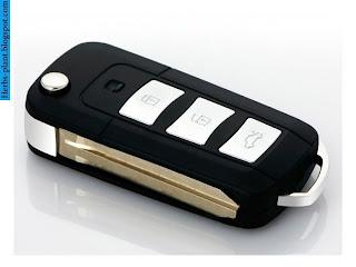 Toyota Yaris car 2012 key - صور مفاتيح سيارة تويوتا يارس 2012