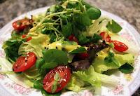 Salada Verde com Molho de Mostarda (vegana)