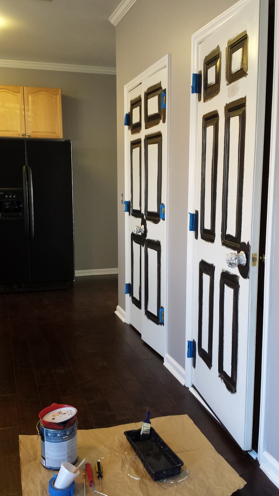 not remove but it 39 s much easier to paint removing door handles. Black Bedroom Furniture Sets. Home Design Ideas