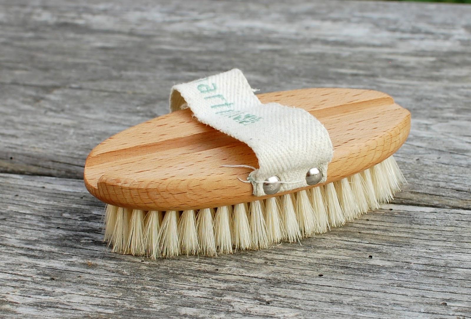Krtača za suho krtačenje kože