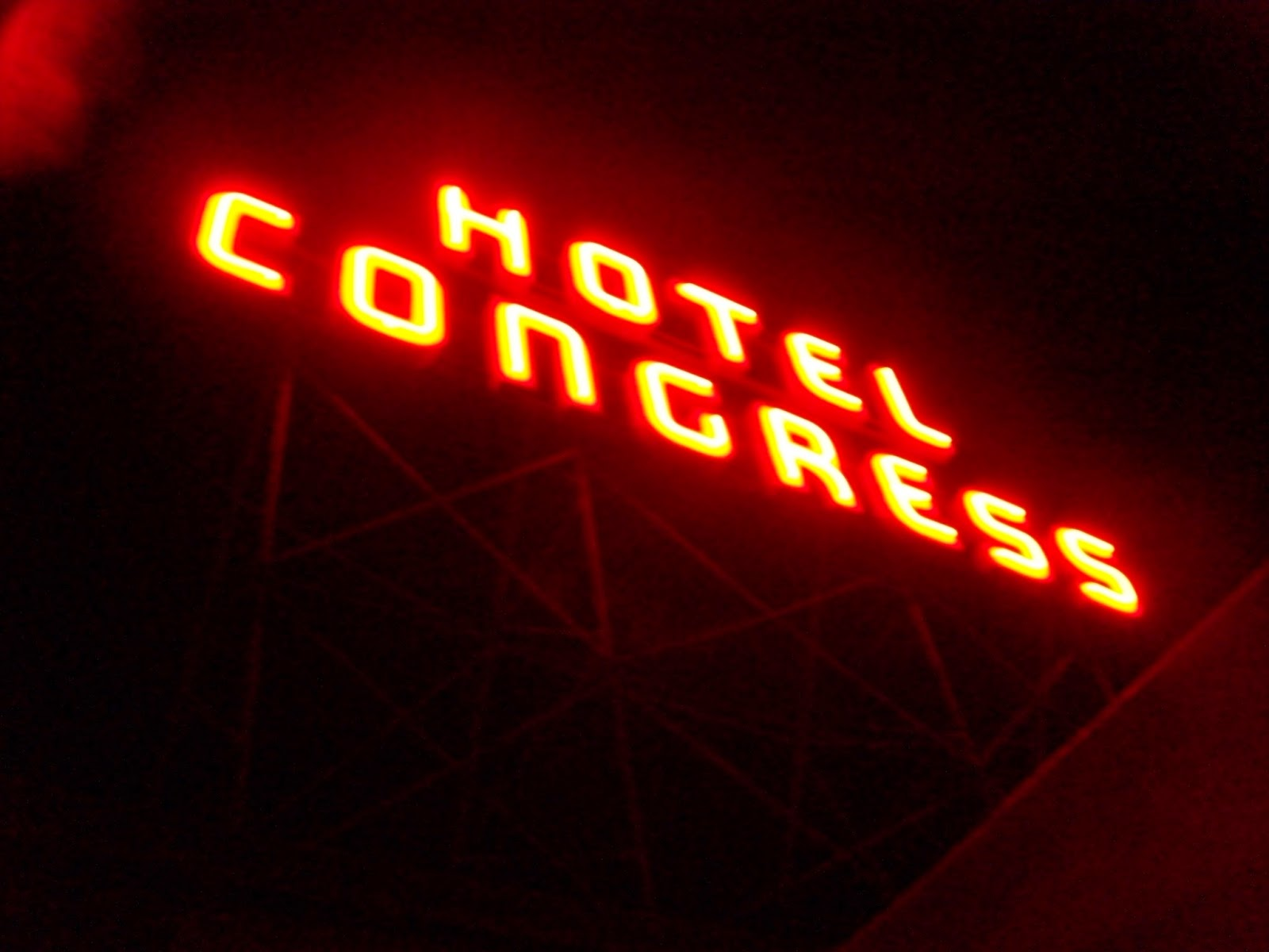 wacky tacky hotel congress