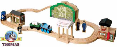 Wood Thomas railroad man in the hills Learning Curve train set best toys for 3 year old children