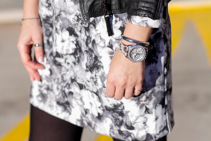 Reloj Solidario modelo W0023L3 de GUESS Watches cristales Swarovski y correa piel de pitón