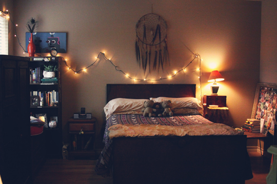 Roots And Feathers Violet Bella Bedroom Makeover Cool Dream Catcher Over Bed