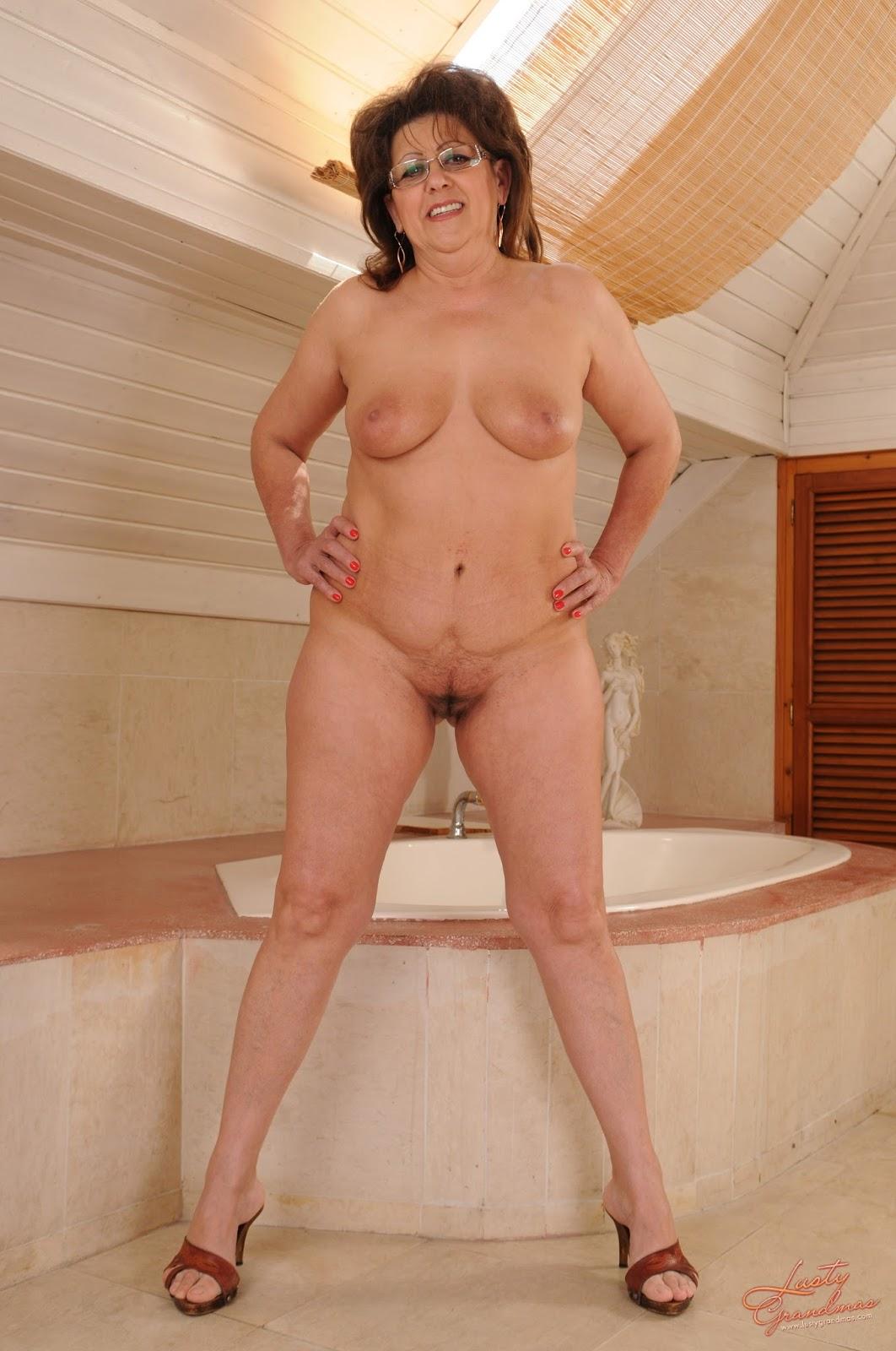 Старушки жирные голые 13 фотография