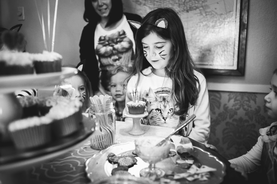 birthday party, birthday photography, birthday, bedford texas, bedford, refreshingly chic, birthday cupcake, birthday cake, cake, cupcake, happy birthday, blowing out candles, kitty party, storytelling photography, candid photo