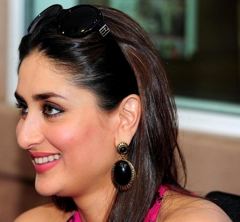 Cute Hot Looks Of Kareena Kapoor