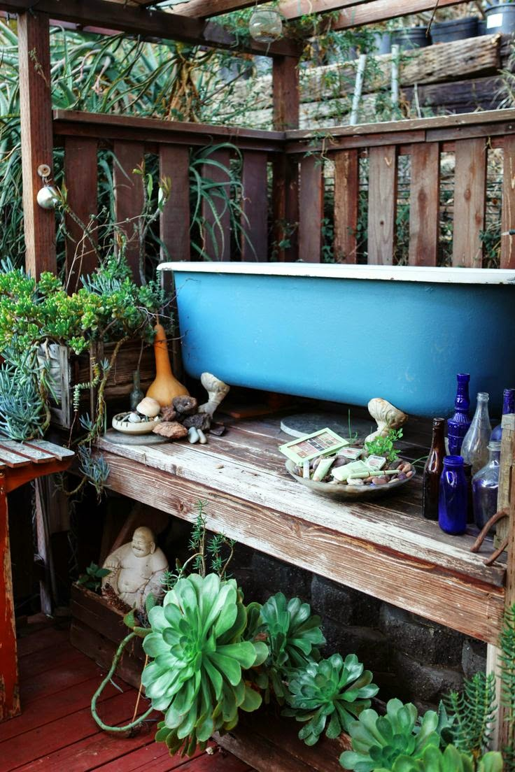 Moon to moon bohemian summer bathroom inspiration for How to decorate a garden tub bathroom