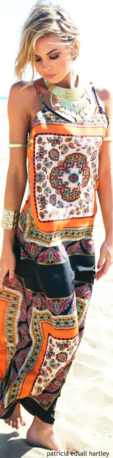 Women's fashion | Boho printed maxi dress with statement necklace and golden bracelets