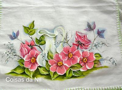 pintura de jarra com flores silvestres