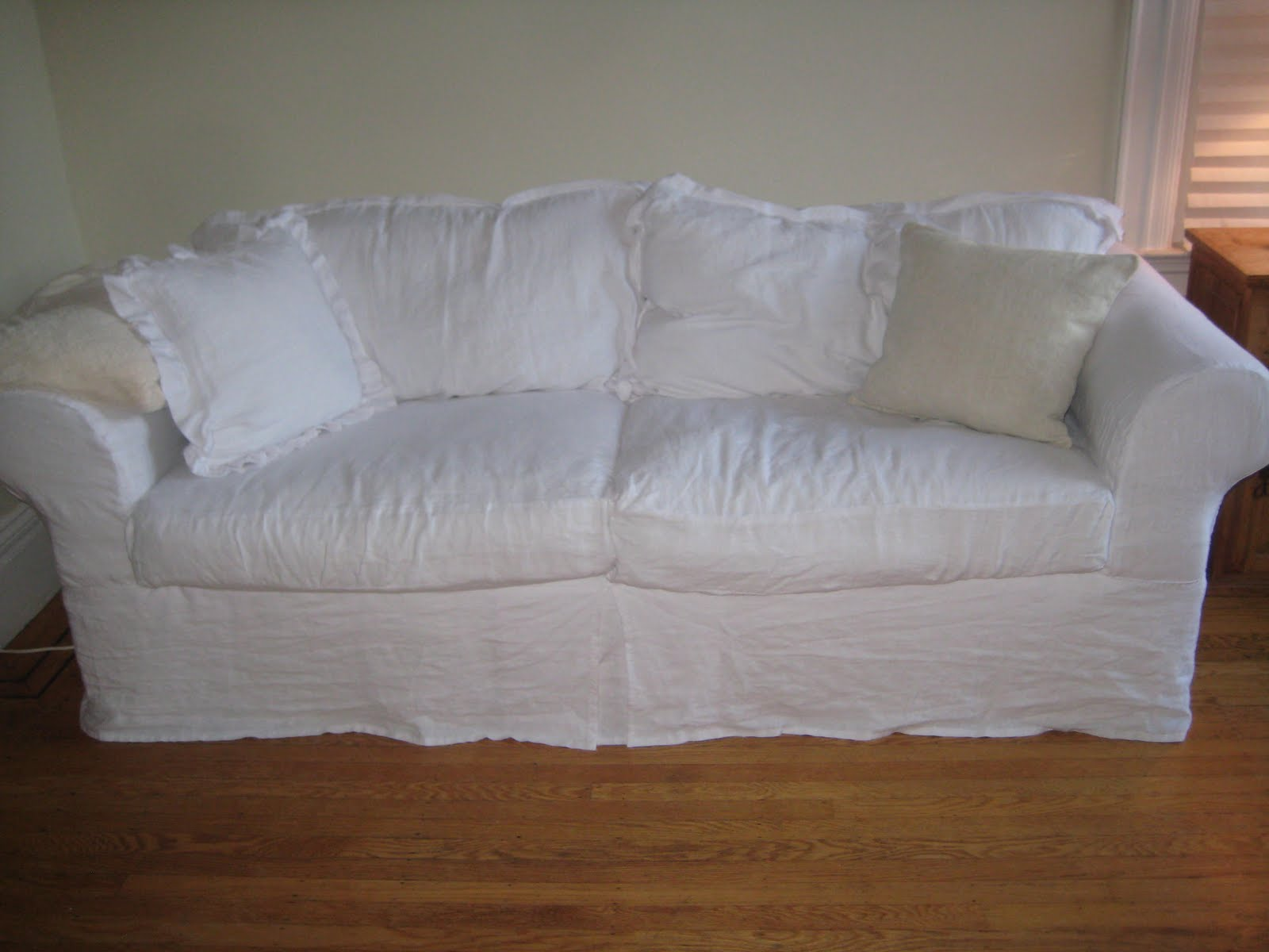 Summersoul my white linen slipcovered sofa for White linen sectional sofa