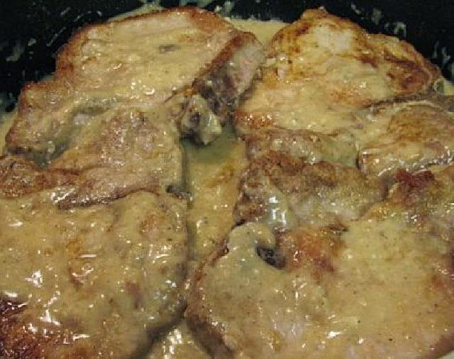 how to cook pork chops in gravy