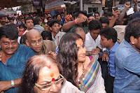 Vidya Balan spotted at Siddhivinayak temple Mumbai