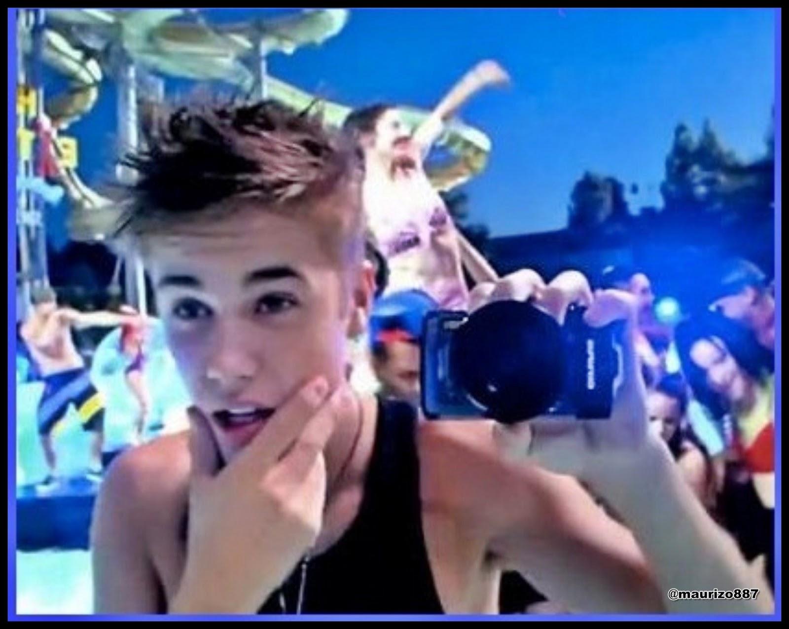 http://2.bp.blogspot.com/-QKqFw_RVm9A/UHuUZIe-mNI/AAAAAAAANFI/NnQz6n8QVCA/s1600/Justin+Bieber+-+Beauty+And+A+Beat.jpg