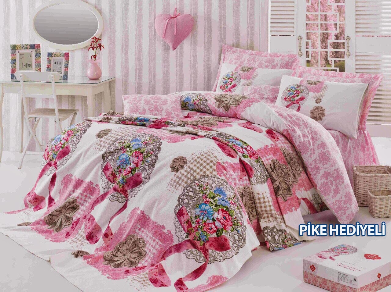 http://www.nevresimdunyasi.com/cotton-box-anneler-gunu-cift-kisilik-nevresim-takimi