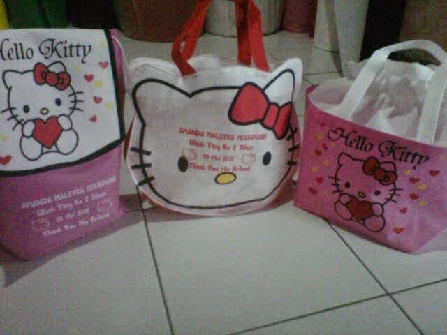 Tas Hello Kitty Pakai Sablon Nama