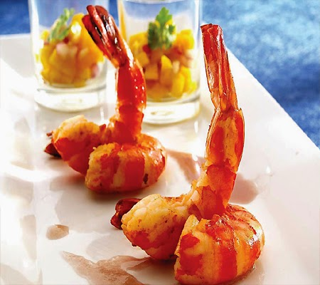 Seared Prawns With Mango Salsa and Vanilla
