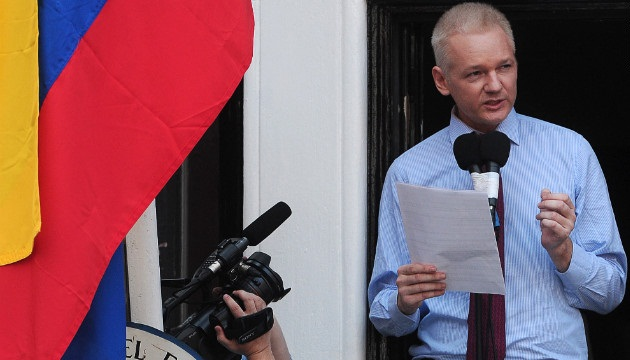 Julian+Assange+-+The+most+Fuckable+Man+on+the+Planet